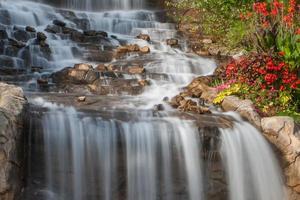 vackert vattenfall