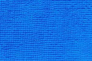 blått vatten i en pool