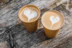 ovanifrån av lattes med glasögon