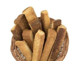 närbild av rostat bröd i en korg