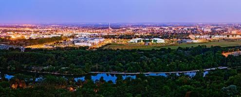 soluppgång på canceropole, Toulouse, Frankrike foto