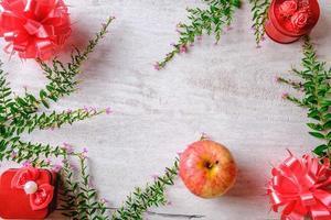 grön och röd jul platt låg foto