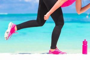 kvinna gör sig redo att springa