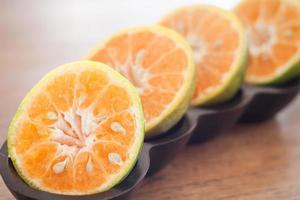 närbild av apelsiner foto