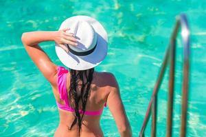 kvinna som badar