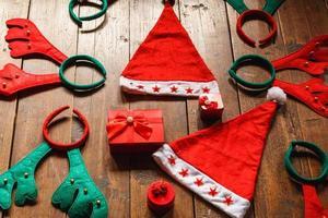 juldekorationer på golvet foto