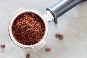 kaffekvarn med kaffebönor