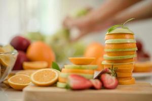 en mängd färsk frukt