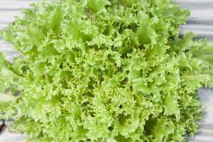 ovanifrån av grön sallad foto