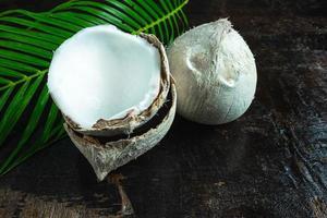 närbild av kokosnötter