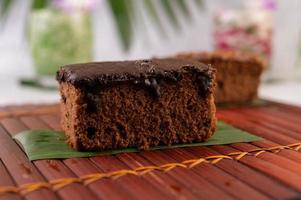 chokladkaka på bambu