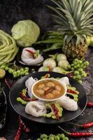 risnudlar med chili, melon, linser och citron