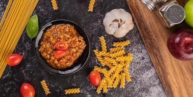 hemlagad pastasås foto