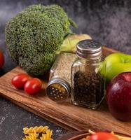 diverse grönsaker och kryddor foto