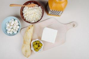 ost och en skärbräda