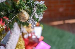 närbild av ett julgran foto