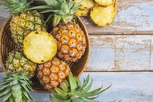 ovanifrån av ananas foto