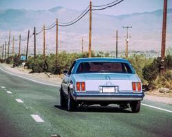 blå Chevrolet Camaro foto