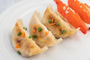 traditionella gyoza dumplings foto