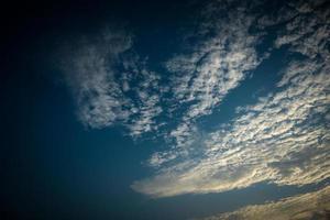 vita moln på himlen