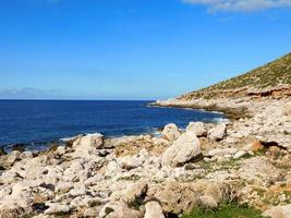 blå kustvatten foto