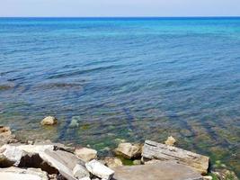 blått klart hav foto