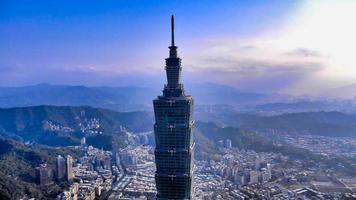 Taipei, Taiwan, mars, 16, 2014 - Flygfoto över ett torn foto