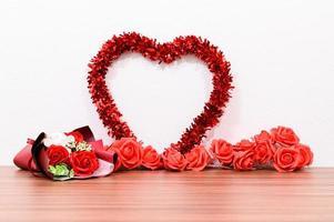 blommor och hjärta foto