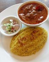 curry och ris foto
