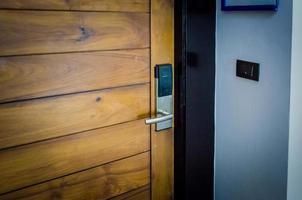dörr till hotellrum foto