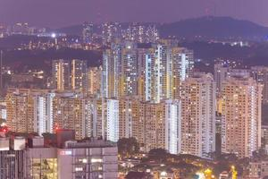byggnader i singapore på natten