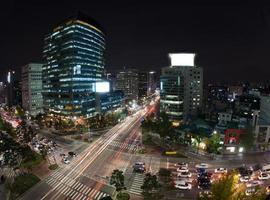 Seoul, Sydkorea, 2020 - Seouls gator på natten foto