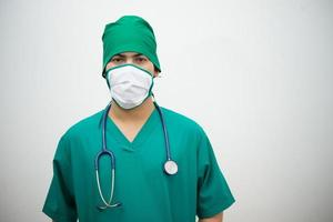 läkare med stetoskop
