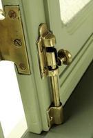 närbild av ett dörrlås foto