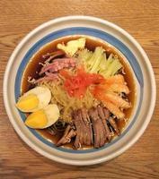 japansk ramen nudelskål foto