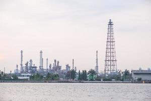 oljeraffinaderi i Thailand foto