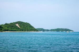 koh larn beach i thailand