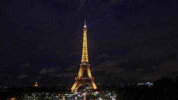 Paris, Frankrike, 2020 - Eiffeltornet på natten