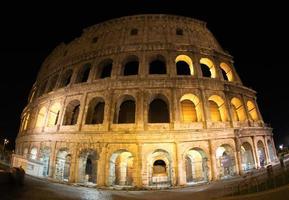 Rom, Italien, 2020 - Colosseum på natten foto
