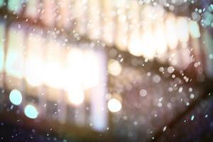 regnigt fönster bokeh foto