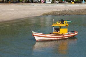 liten fiskebåt. foto