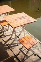 bord och stolar foto