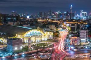 hua lamphong järnvägsstation i bangkok foto