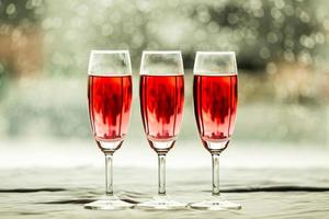 glas vin i en restaurang