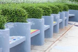 bänkar av betong foto