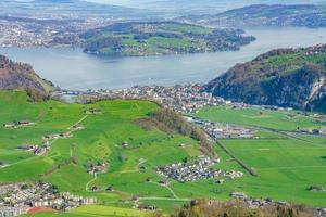 utsikt från mt. stanserhorn i schweiz foto