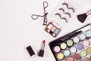 ovanifrån av kosmetisk skönhetsmakeup foto