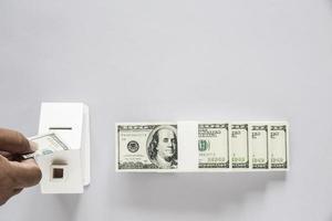 ovanifrån av dollarsedel med trähus foto