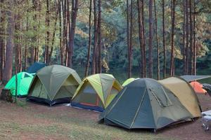 tält på campingplatsen