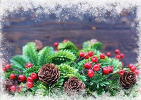 jul bakgrund med snöig kant foto